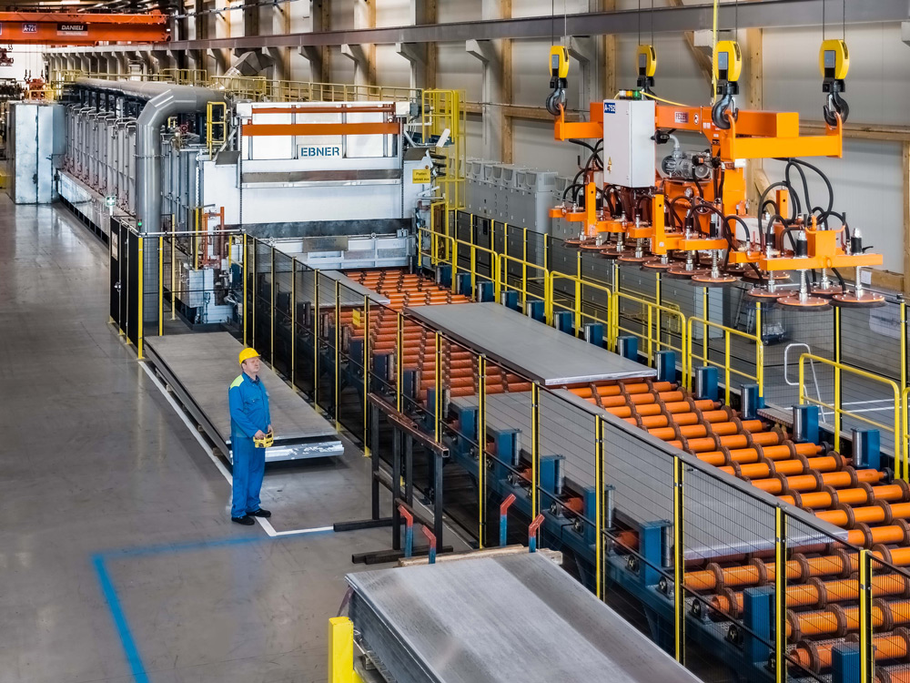 EBNER Rollenherdofen Aluminium Platten